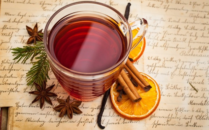 mulled-wine-beverage-tea-cup-spices-orange-cinnamon-vanilla-anise-star-anise-pics-163912.jpg